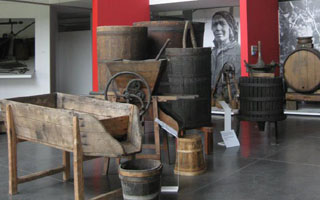 Fermentation, soutirage and uses of marc